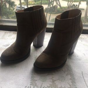 Zara olive green high-heeled boots, size 8